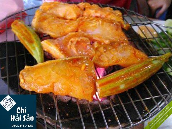 Cá nghẻo nướng than hồng