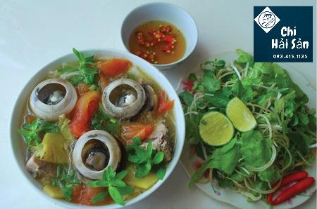 Đầu cá ngừ nấu bún